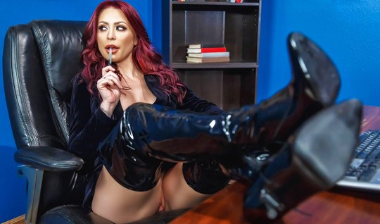 Redhead bitch in latex stripped in front of the boss and seduced him f...