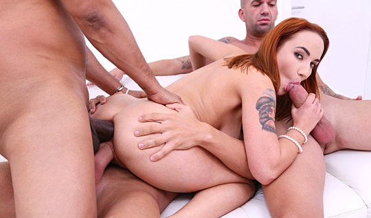 Redhead girlfriend came to the guys and got double penetration...