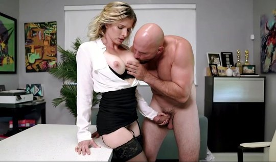 Mom in the office left some stockings before sex with a cute colleague...