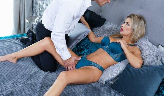 Secretarys anal hole challenges a stone boner in the directors pants w...