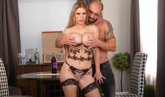 Tattooed biker fucked busty mom with a huge beautiful cock...